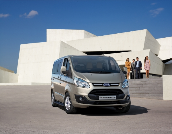 [Resim: ford_tourneo_custom__01.jpg]
