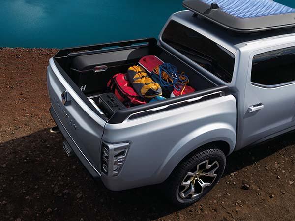 Renault Alaskan Pick-up Concept 11