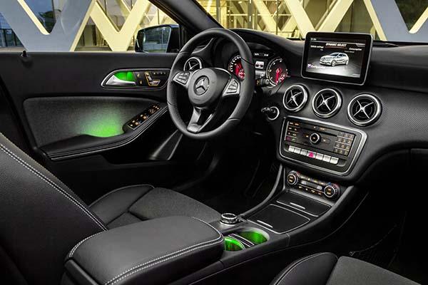 Mercedes-Benz A-Klasse (W 176) 2015Mercedes-Benz A-Class (W 176) 2015