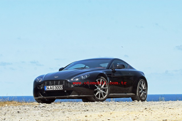 Video test: Video: 2011 Aston Martin V8 Vantage S Coupe test - 0-100 km/s, 100-0 km/s