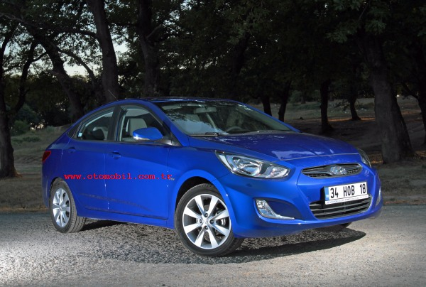 Video test: Hyundai Accent Blue 1.6 CRDi (0-100 km/s, 100-0 km/s)