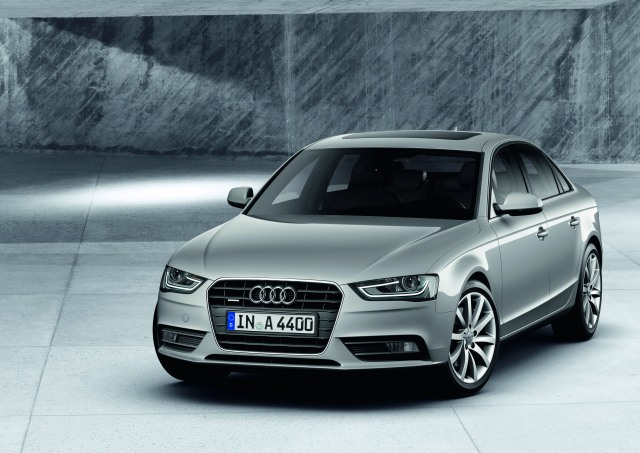 Audi A4 ve S4'e 2012 makyajı