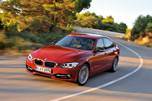 Yeni BMW 3 Serisi Sedan 2012 yüzünü gösterdi