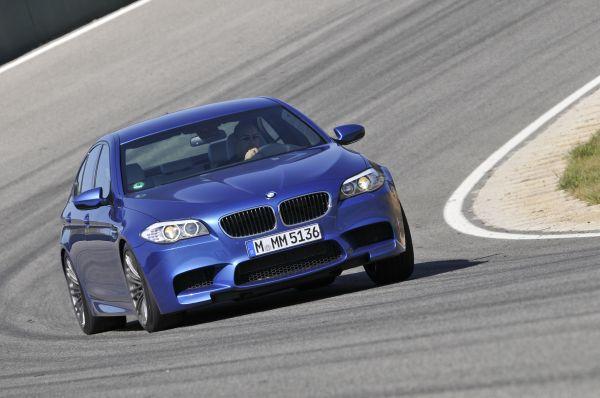 Video: Yeni BMW M5 (2012) testi