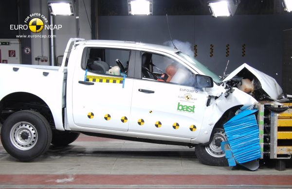 Video: Ford Ranger Euro NCAP çarpışma testi