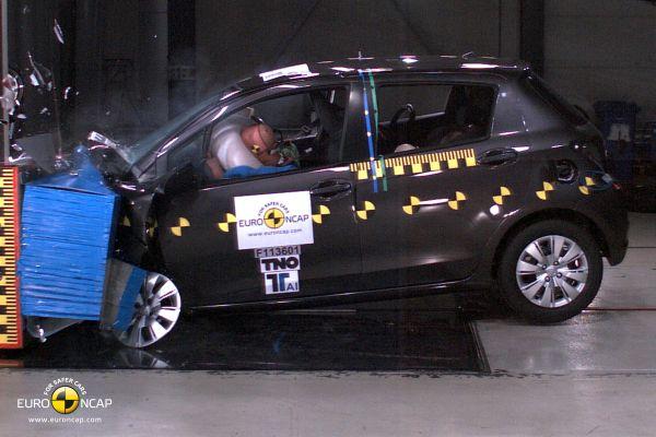 Video: Toyota Yaris Euro NCAP çarpışma testi