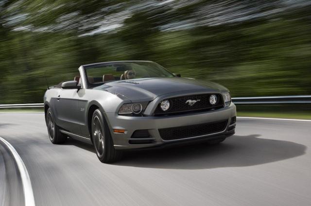 Galeri: 2012 Ford Mustang makyaj