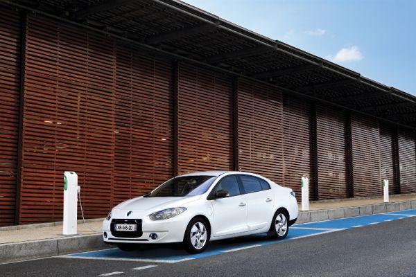 Video: Renault Fluence Z.E. İstanbul sürüş izlenimi