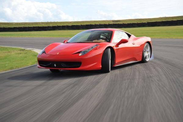 Ferrari 2011'de 7195 otomobil sattı