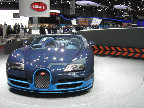 Video: Bugatti Veyron 16.4 Grand Sport Vitesse-Cenevre 2012