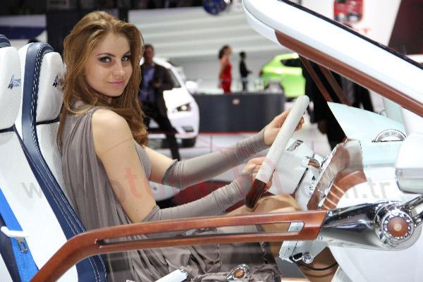 Video: Seat Toledo Concept Cenevre Otomobil Fuarı 2012