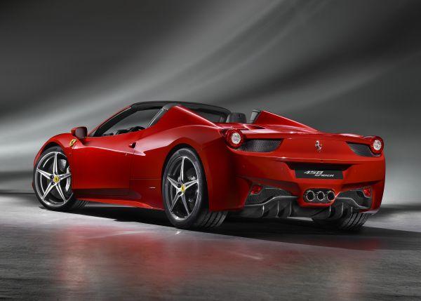 Ferrari'den 7 yıl ücretsiz periyodik bakım hizmeti
