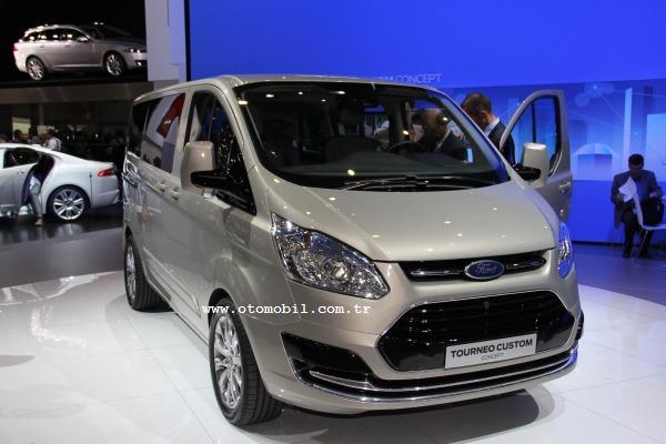 Yeni Ford Transit'in habercisi Tourneo Custom Concept Cenevre'de