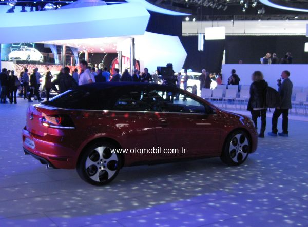 Video: Yeni Volkswagen Golf GTI Cabrio Cenevre 2012