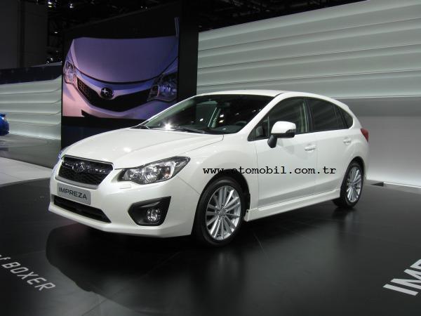 Yeni (2012) Subaru Impreza Hatchback Cenevre'de