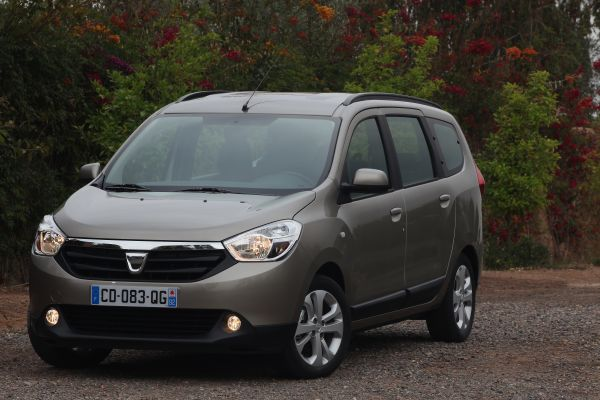 lk s r test dacia lodgy 1 5 dci 110 hp otomobil. Black Bedroom Furniture Sets. Home Design Ideas
