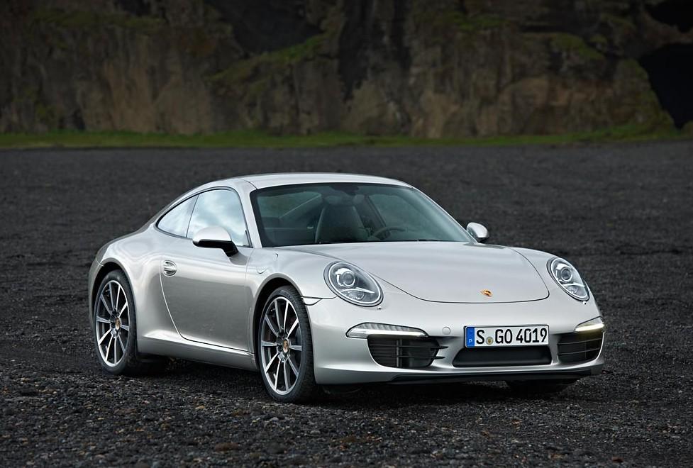 Yeni Porsche 911, yılın performans otomobili