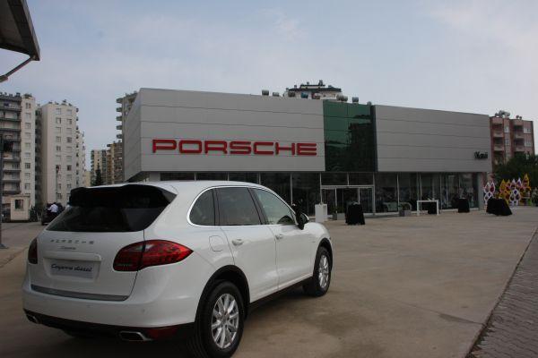 Porsche Kavi Oto Mersin'de açıldı