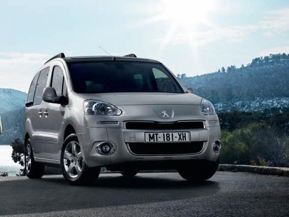 Yeni yüzlü (2012) Peugeot Partner Tepee fiyat listesi