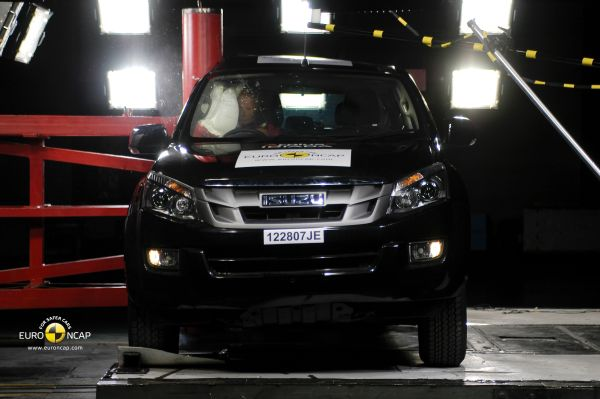Video: Yeni Isuzu D-Max Euro NCAP testi