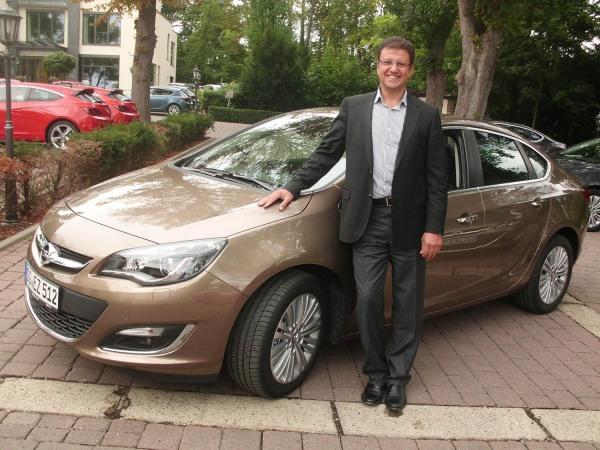 Yeni (2013) Opel Astra Sedan fiyat listesi