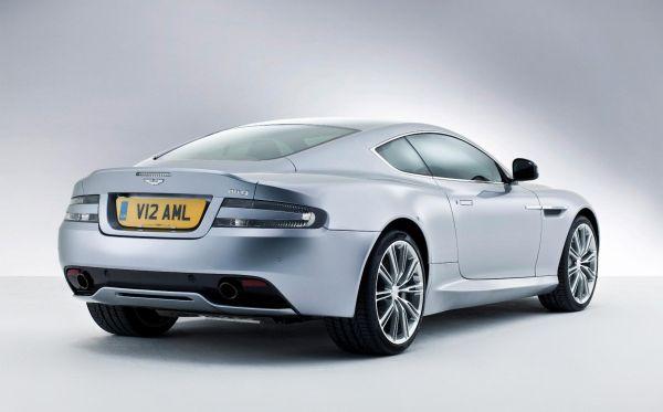 Galeri: Yeni Aston Martin DB9 Coupe ve DB9 Cabrio 2013