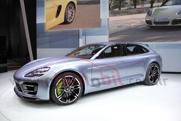 Video: Porsche Panamera Sport Turismo-Paris Motor Show 2012