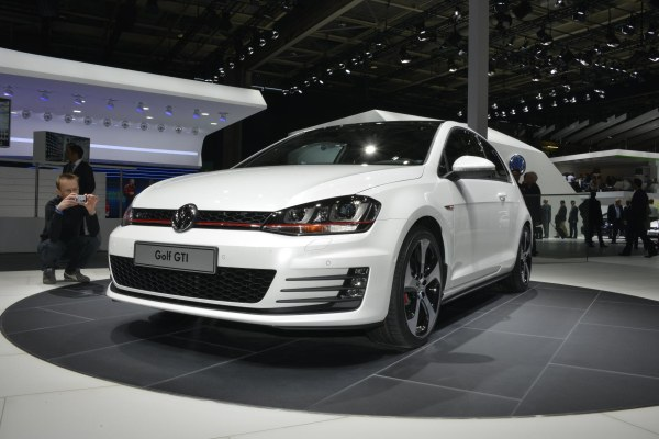 Video: Yeni (2013) VW Golf GTI Concept – Paris Otomobil Fuarı