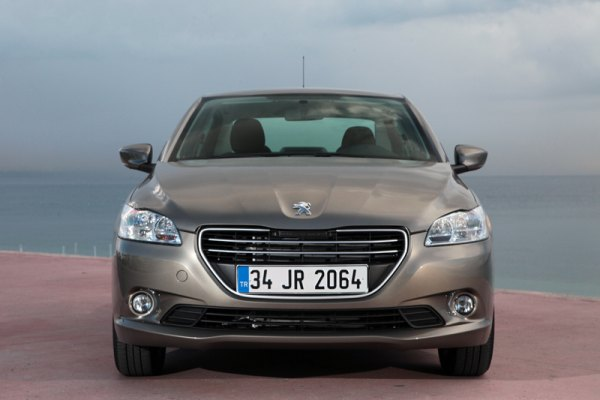Video: Peugeot 301 1.6 HDi 92 HP (dizel) / ilk sürüş-test