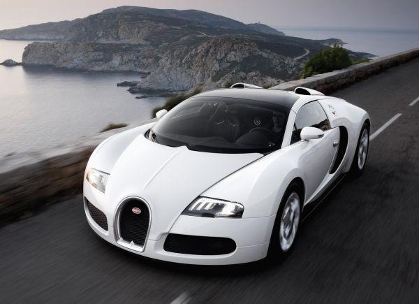 Bugatti İstanbul Autoshow 2012'de Türkiye'ye geliyor