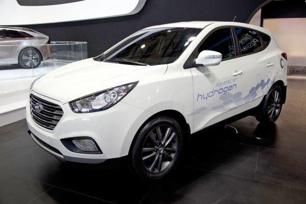 Hyundai ix35 Fuel Cell, i-oniq ve yeni Santa Fe İstanbul Autoshow 2012'de
