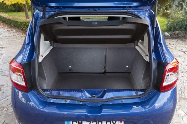lk s r test yeni 2013 dacia sandero ve yeni 2013 sandero stepway otomobil. Black Bedroom Furniture Sets. Home Design Ideas