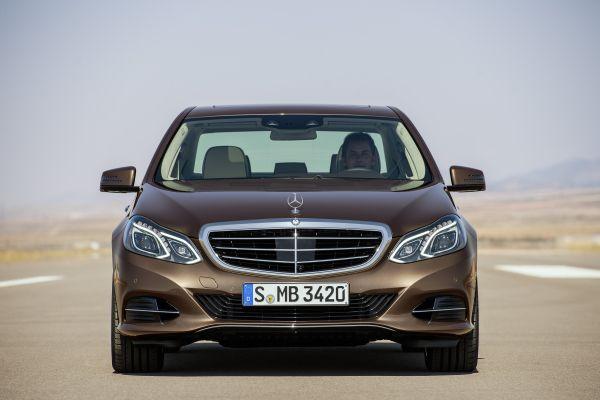 Galeri: Yeni yüzlü makyajlı Mercedes-Benz E Serisi 2013