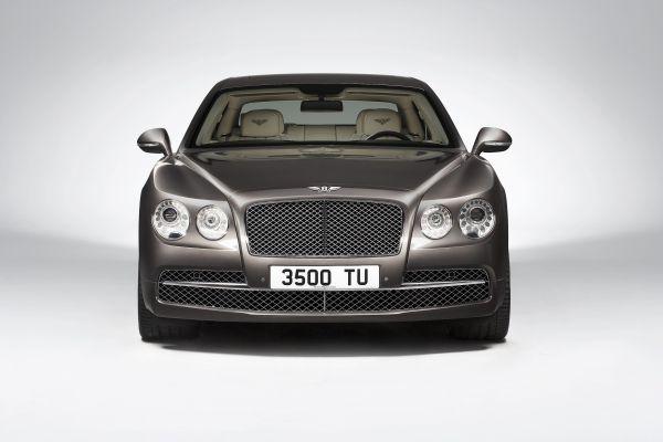 Galeri: Yeni yüzlü Bentley Flying Spur 2013