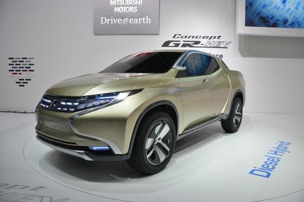 Mitsubishi Concept GR-HEV / Cenevre Motor Show 2013