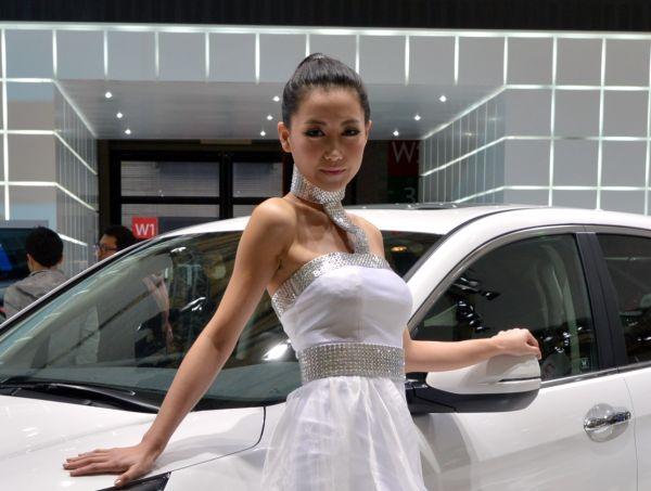 Yeni yüzlü Chevrolet Captiva 2013 Türkiye'de