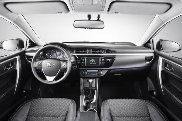 Yeni Toyota Corolla 2013 fotoğraf galerisi
