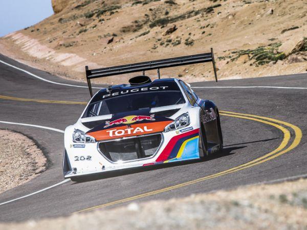 Sebastien Loeb Peugeot 208 T16 Pikes Peak ile rekor kırdı