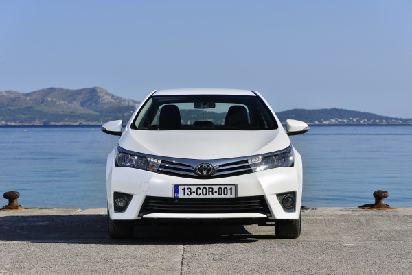 Yeni Toyota Corolla 2013 test fotoğraf galerisi