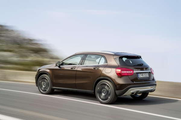 Mercedes-Benz GLA Serisi 2014 fotoğraf galerisi ve teknik bilgiler