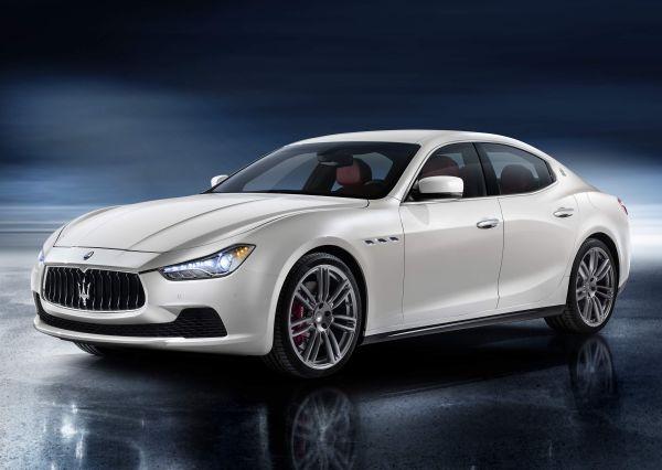 Yeni 2014 Maserati Ghibli 155.000 Euro fiyatla Ekim'de Türkiye'de