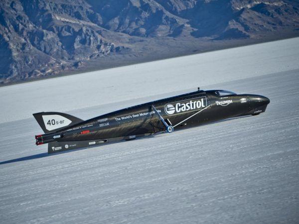Castrol yeni bir kara hız rekoru peşinde