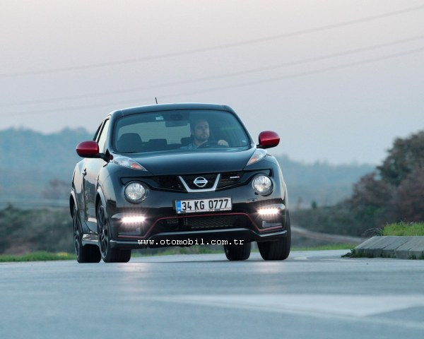 Nissan Juke Nismo 4WD M-CVT video test