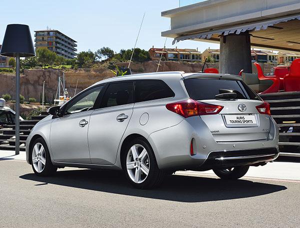 Toyota Auris Touring Sports 72.600 TL fiyatla geliyor