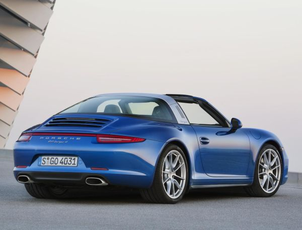 Yeni Porsche 911 Targa 2014 videosu