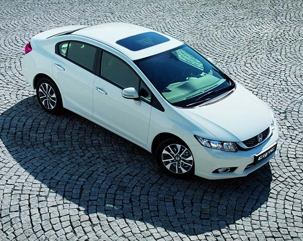 Yeni Civic Sedan 2014 60.835 TL'ye Türkiye'de