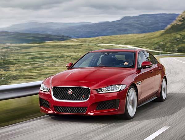 Jaguar XE İngiltere'de tanıtıldı