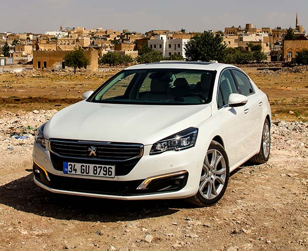 Yeni yüzlü Peugeot 508 2014 satışa sunuldu