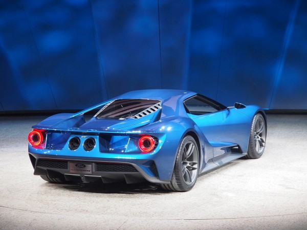 Ford_GT_arka