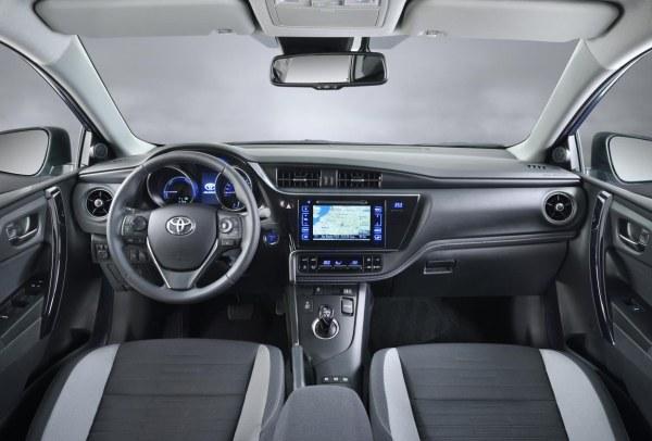 Yeni_2015_Toyota_Auris (3)